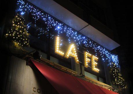 gv-2016-iluminacion-decorativa-navidena-ambientacion-luminica-fachada-confiteria-la-fe-periodista-adeflor-gijon-asturias-espana-002-72-ppp