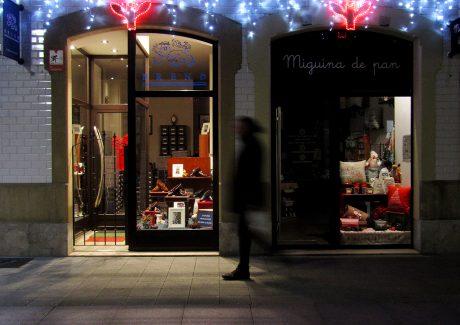 gv-2016-iluminacion-decorativa-navidena-ambientacion-luminica-fachada-calle-la-merced-gijon-asturias-espana-002-72-ppp